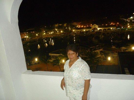 Marina Hotel & Resort: vista nocturna desde la habitacion