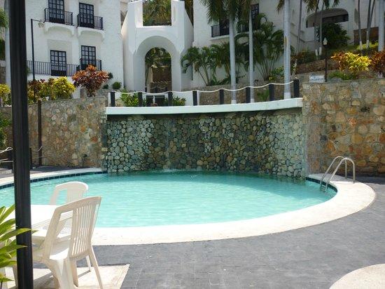 Marina Hotel & Resort: alberca