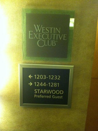 The Westin Los Angeles Airport: 12th floor is the executive floor