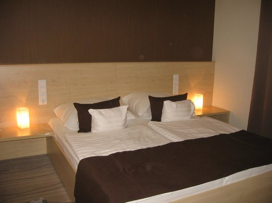 Promenade City Hotel: lovely bed room