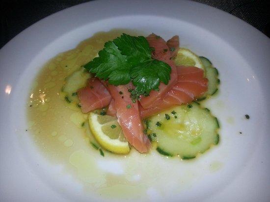 Restaurant le 28 : Entrée : sashimis de saumon au gingembre