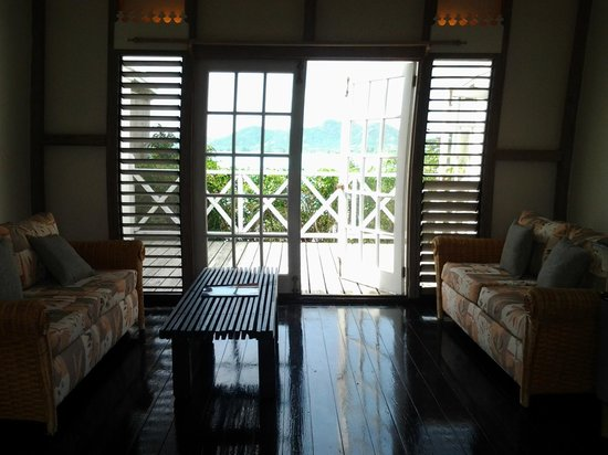 Cocobay Resort: Sitting Area