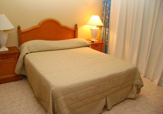 Malibu Hotel Aruba: Single Queen Bed