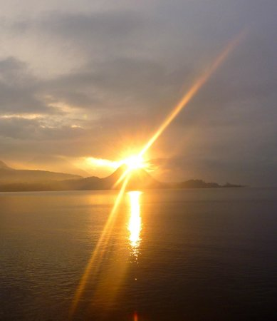 Kaalpul Atitlan Eco Hotel & Spa: Sunset at the Lake