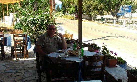 To Petrino : the restaurant
