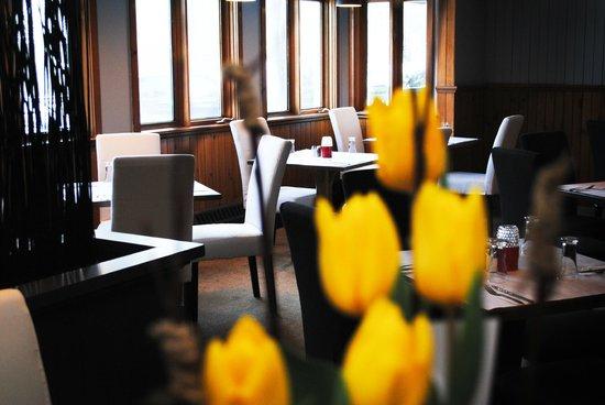 Rustick Brasserie & Auberge