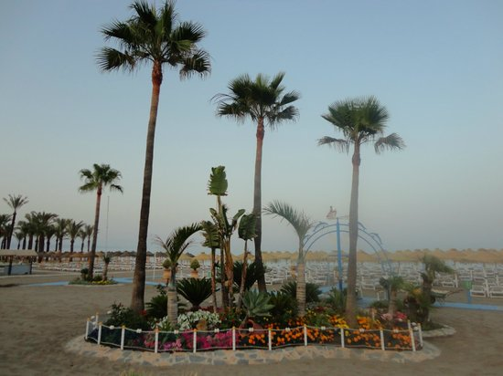 Playa La Carihuela: The beach