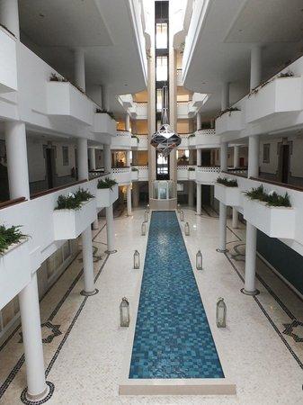 Hotel Oriental: viev from our door