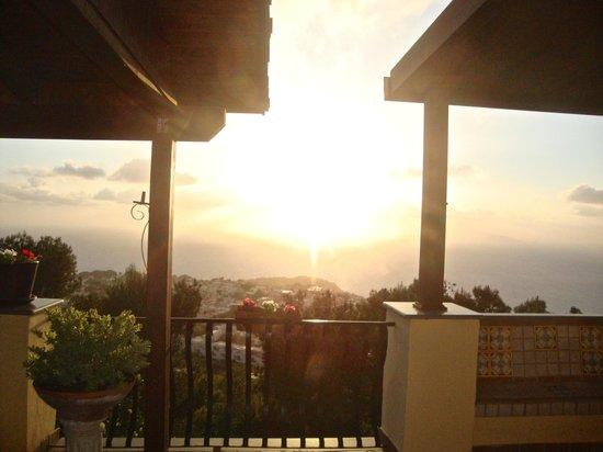مونتي سولارو: Stunning sunset view