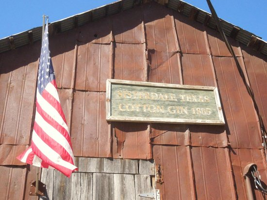 Sister Creek Vineyards: Old cotton gin building