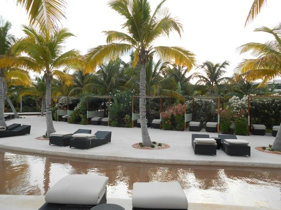 Secrets Maroma Beach Riviera Cancun: Shallow Pool