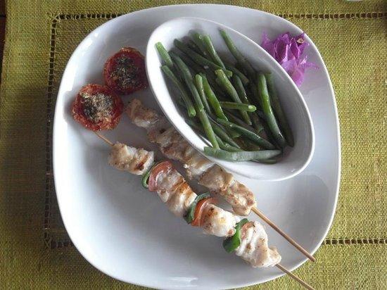 Antoremba - Lodge: fish kebabs