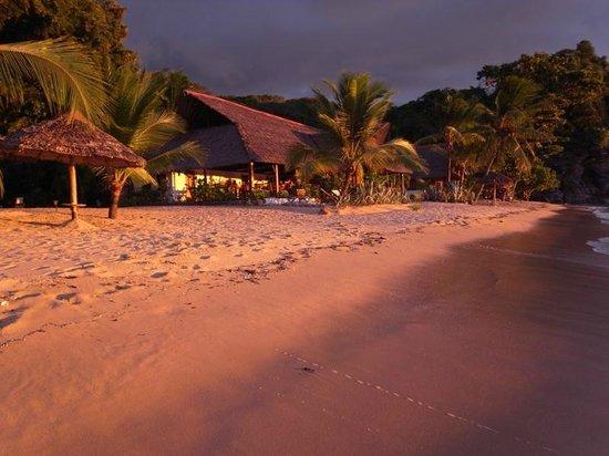 Antoremba - Lodge: sunset over Antoremba