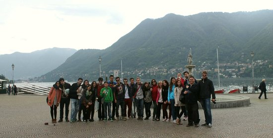 Ostello Villa Olmo: Vista del Lago de Como junto al Ostello
