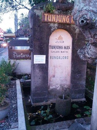 Tunjung Mas Resort Ubud: Front of Tunjung