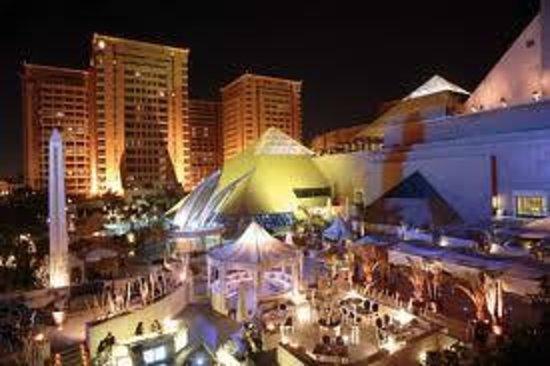 Al-Masah Hotel and Spa : city stars shopping center.