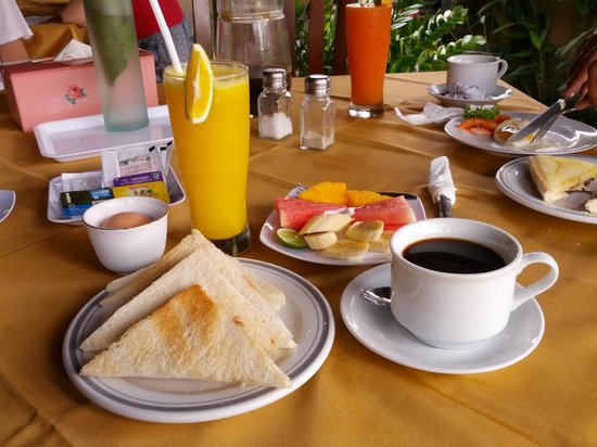 Tunjung Mas Bungalows: Toast with boiled eggs with fresh fruit and juice