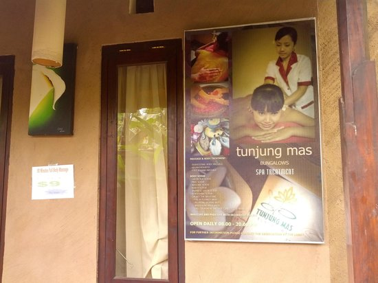 Tunjung Mas Bungalows: Great Massages