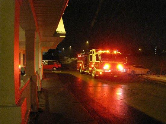 Travelodge Suites Moncton: Feuerwehr mitten in der Nacht