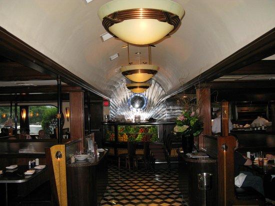 Buckhead Diner: Inside