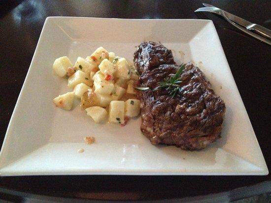 Noah Restaurant & Lounge: Ribeye