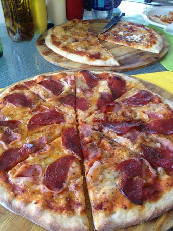 Le Petit Jardin: Great pizzas