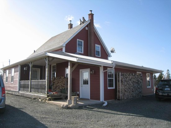 Mira River Cottages: Hauptgebäude