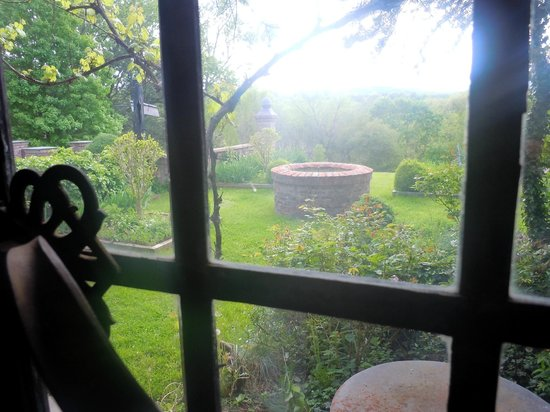 Chateau and Tudor Rooms, Saugerties Bed and Breakfast: view from bathroom