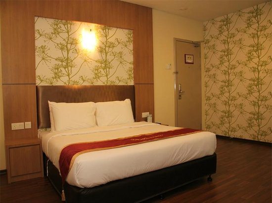 Baguss City Hotel: X'Deluxe King Room