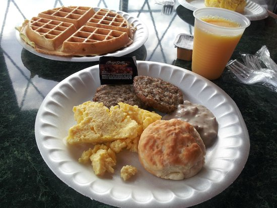 Best Western Plus Dockside Waterfront Inn: Breakfast fare
