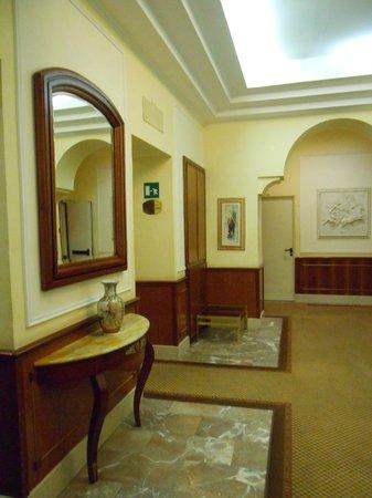 Hotel Hiberia: Hall
