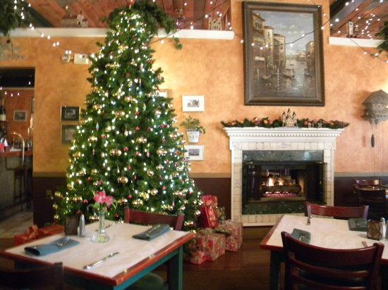 Redlefsen's Rotisserie & Grill : Christmas Tree