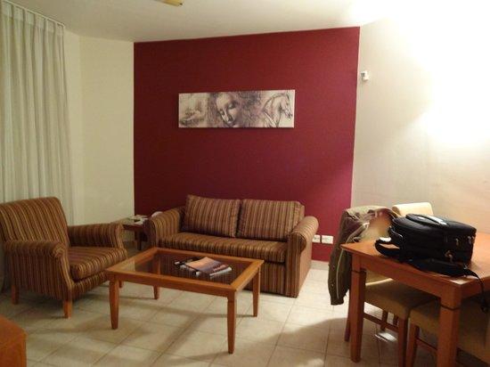 Leonardo Suite Tel-Aviv Bat-Yam: Sala do apto
