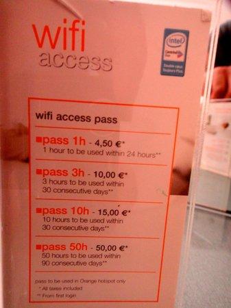 Pavillon Villiers Etoile: Wifi cost