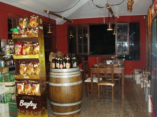 El Bodegon: Interior
