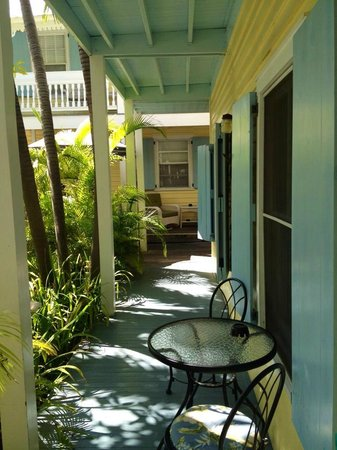 Angelina Guest House: The porch right outside Trixie room