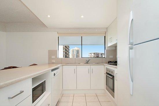 Bellardoo Holiday Apartments: Kitchen