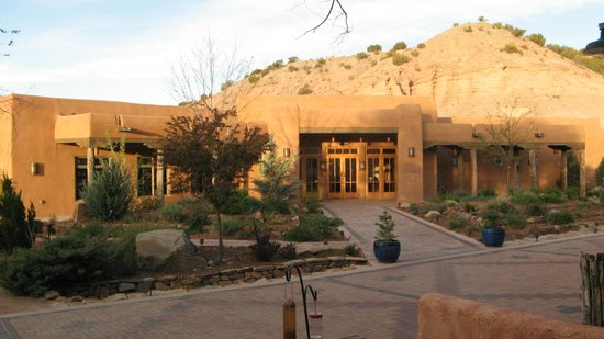 Ojo Caliente Mineral Springs Resort and Spa: Lobby entrance