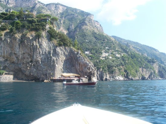 Il San Pietro di Positano: View from taxi boat of side of hotel