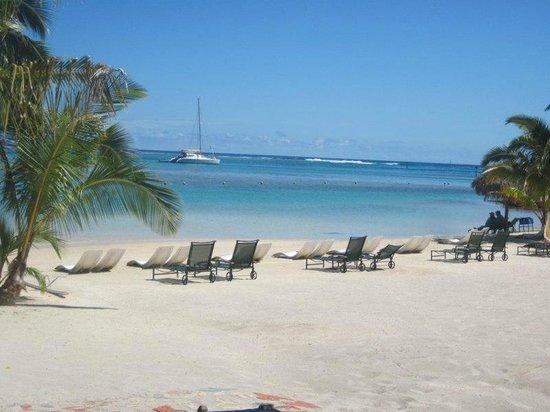 Pareo Perso: Intercontinental Resort & Spa de Moorea activité Pareoperso sur la plage