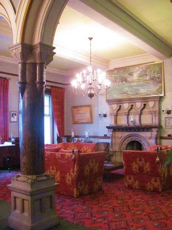 Camelot Castle Hotel: L'angolo conversazione