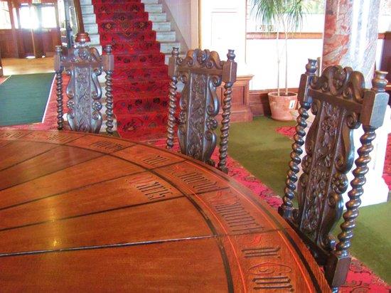 Camelot Castle Hotel: Particolare della Tavola Rotonda