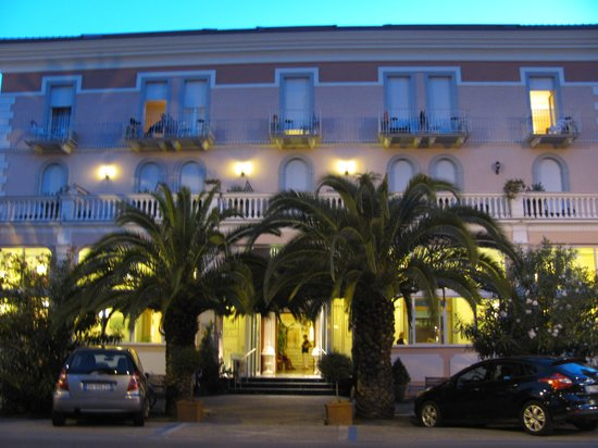 Hotel Progresso: L'ingresso