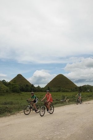 Bugoy Bikers: It's more fun to view the Chocolate Hills from a bike