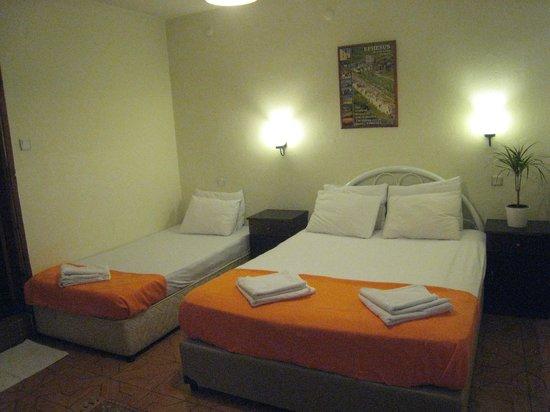 Paris Hotel : Family Room