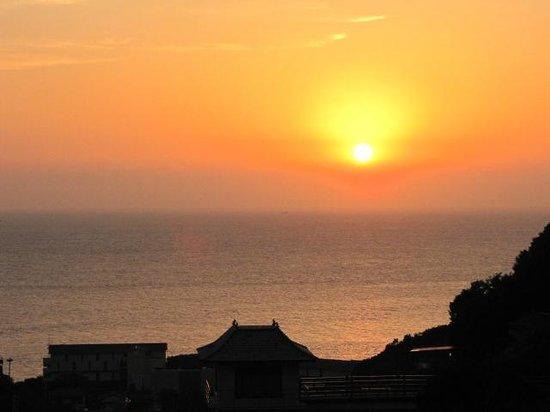Kaiyutei: 露天風呂から沈み行く夕陽を。