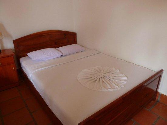Bed, Hoang Kim Golden