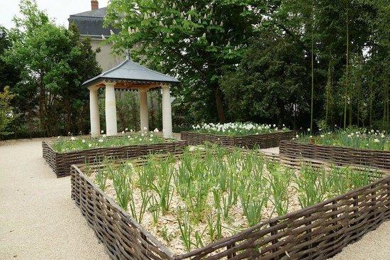 Office de Tourisme Touraine Nature : Le kiosque des jardins de l'Office de Tourisme