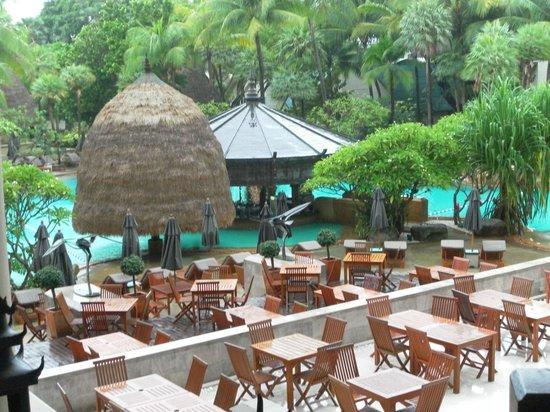 Movenpick Resort & Spa Karon Beach Phuket: swim pool
