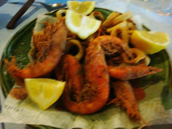 Osteria Al Timone Di Enzo Sacco : gamberi fritti